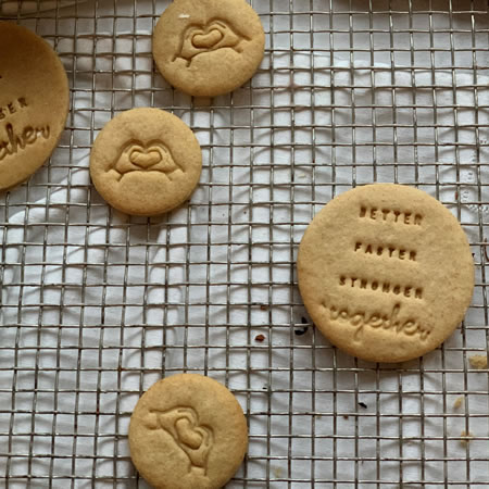 Biscuits personnalisés Bobiskuit Better faster stronger together